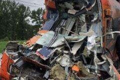 У Польщі вантажівка протаранила потяг: десятки постраждалих. Подробиці і фото
