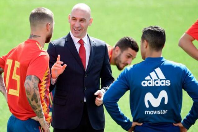 Дичь дня: капитан сборной Испании подрался с президентом федерации