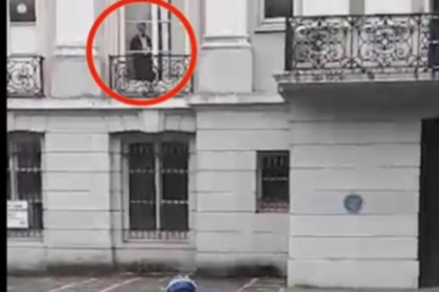 Женщина случайно засняла призрака: реальное видео