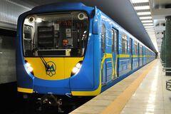 Всього за одним жетоном: у метро Києва назрів колапс