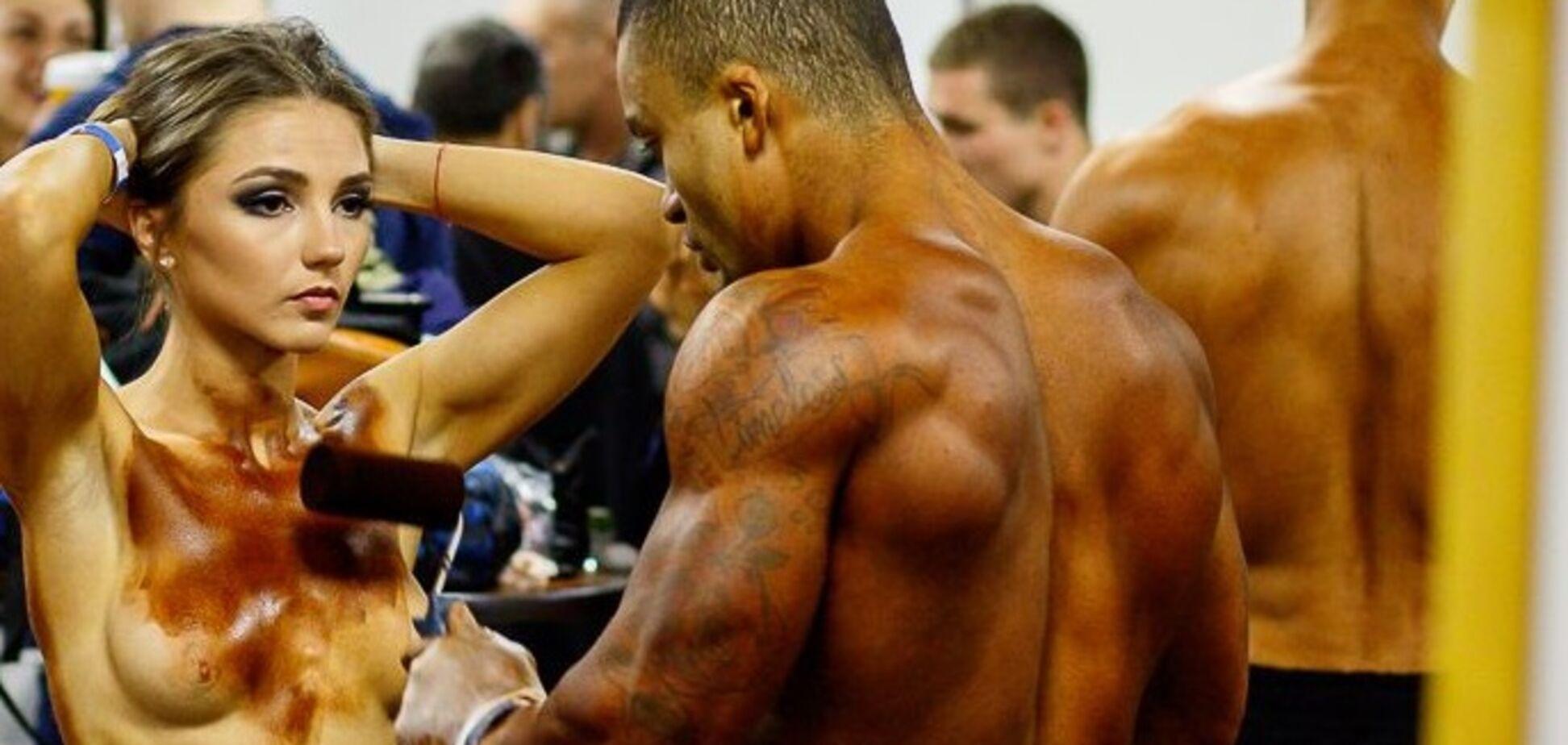 В России фитнес-модель разделась топлес перед турниром: фото 18+