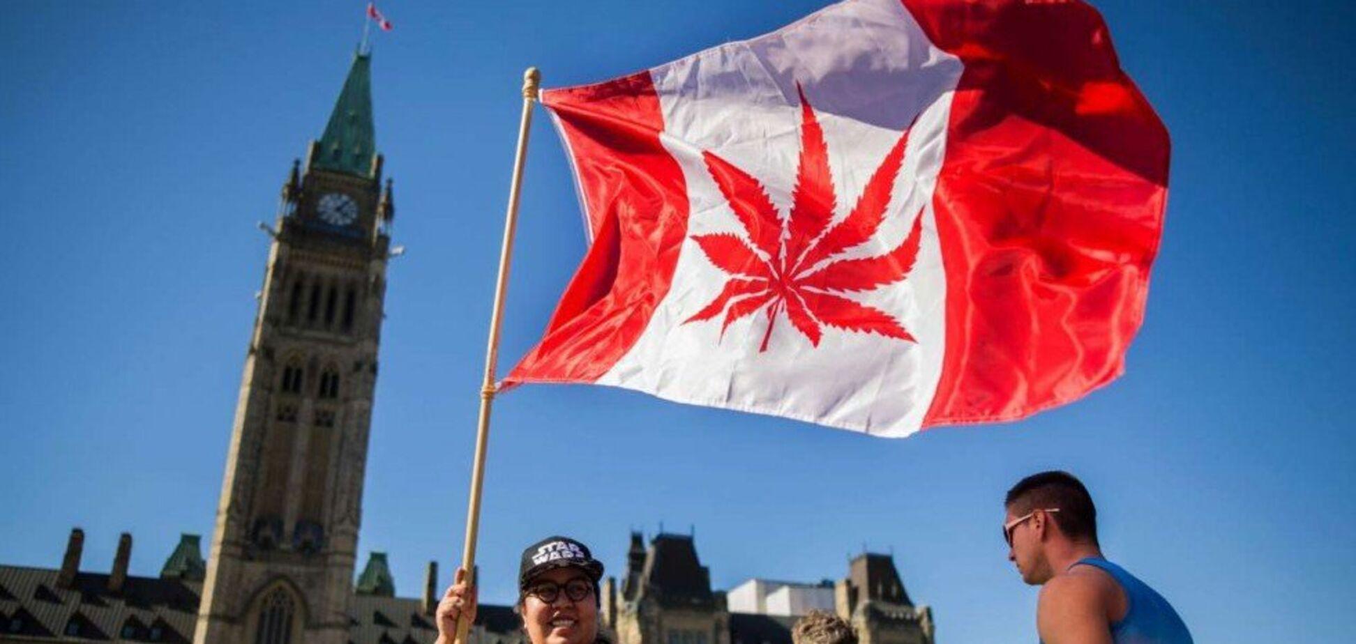 Перша у 'Великій сімці': парламент Канади легалізував марихуану