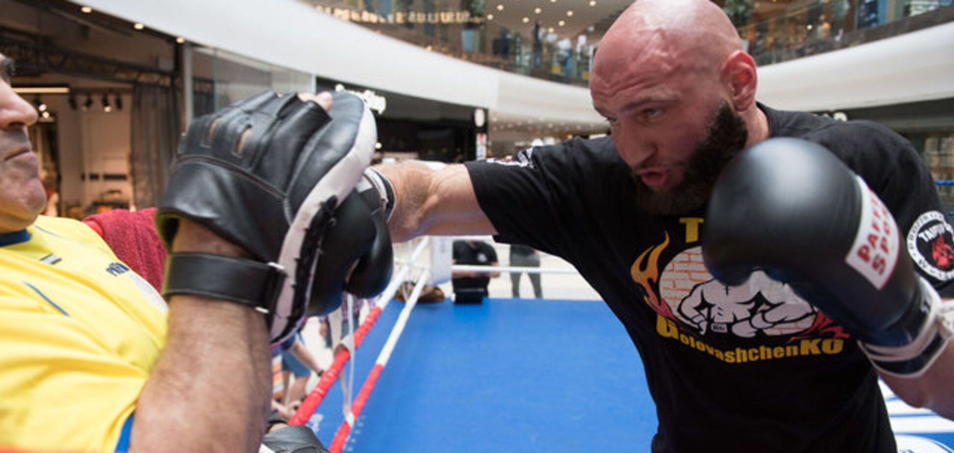 Український боксер програв в чемпіонському бою