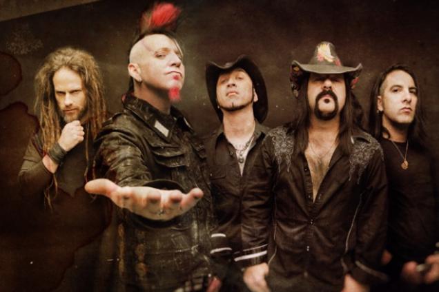 Умер музыкант и основатель культовой рок-группы Pantera