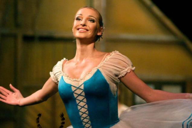 """""""Растягивайте удовольствие..."""" Волочкова удивила очередным шпагатом и запретила ее критиковать"""