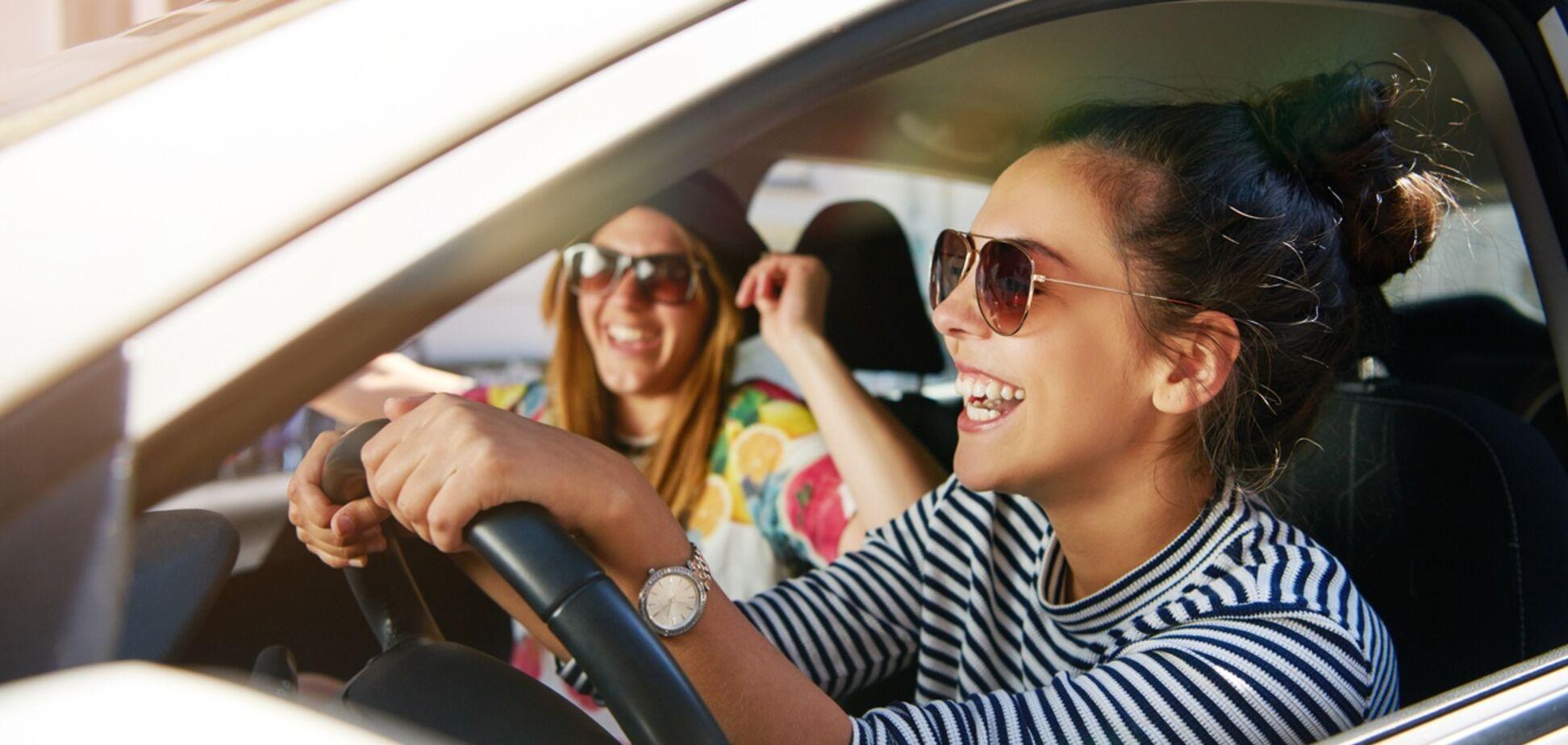 Не виходячи з машини: ефективні вправи для водіїв