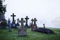 'Тела в кучу сложены': украинка поделилась кошмарным опытом похорон