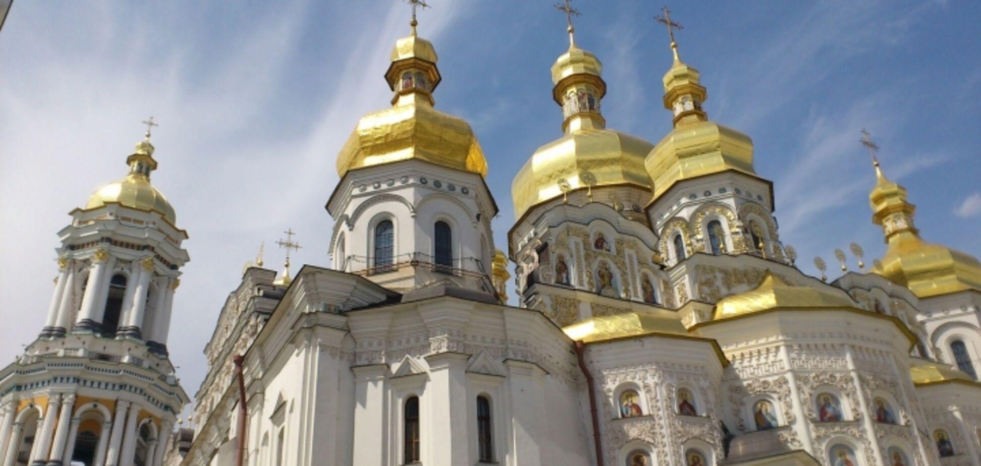 Священника Киево-Печерской Лавры взяли на контрабанде 1,4 млн грн