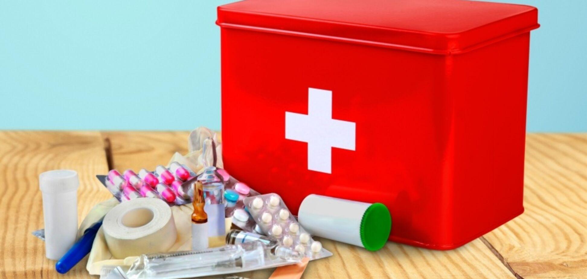 Дитяча аптечка для невідкладної допомоги