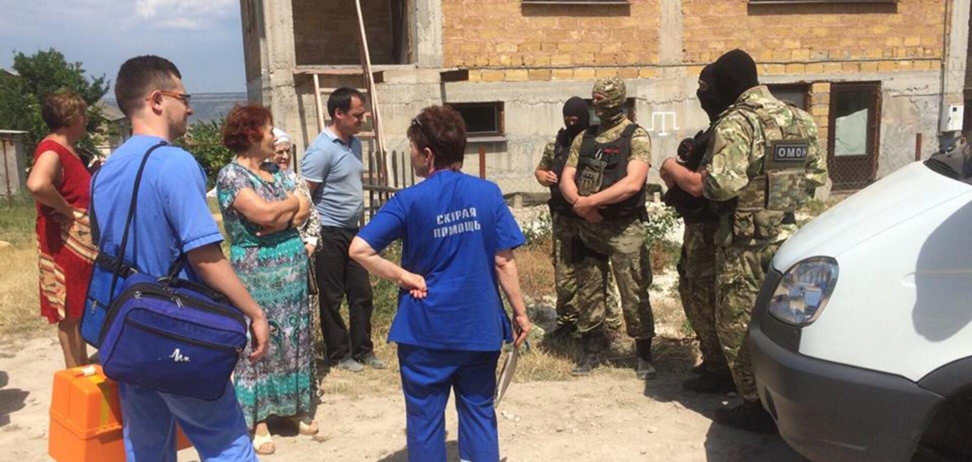 Вооруженные люди оцепили улицу: оккупанты устроили переполох в Крыму