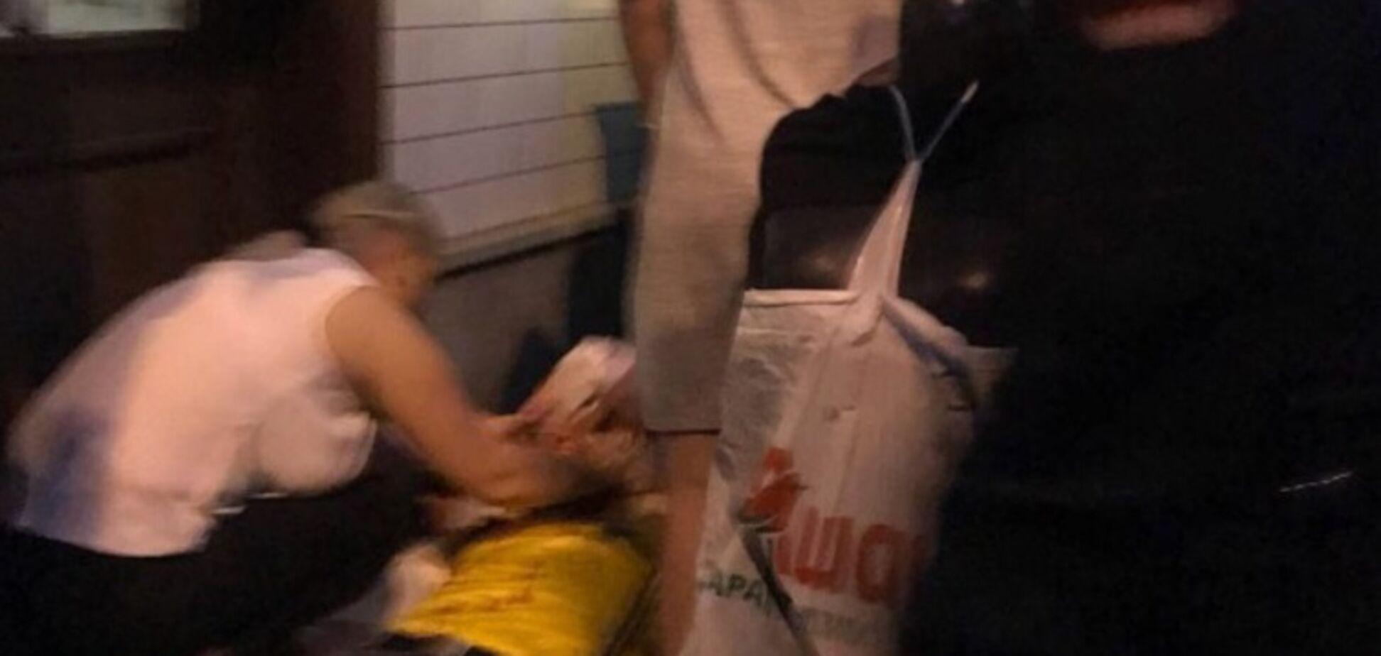 'Непонятно, жив или нет': россиянин жестоко избил шведского фаната