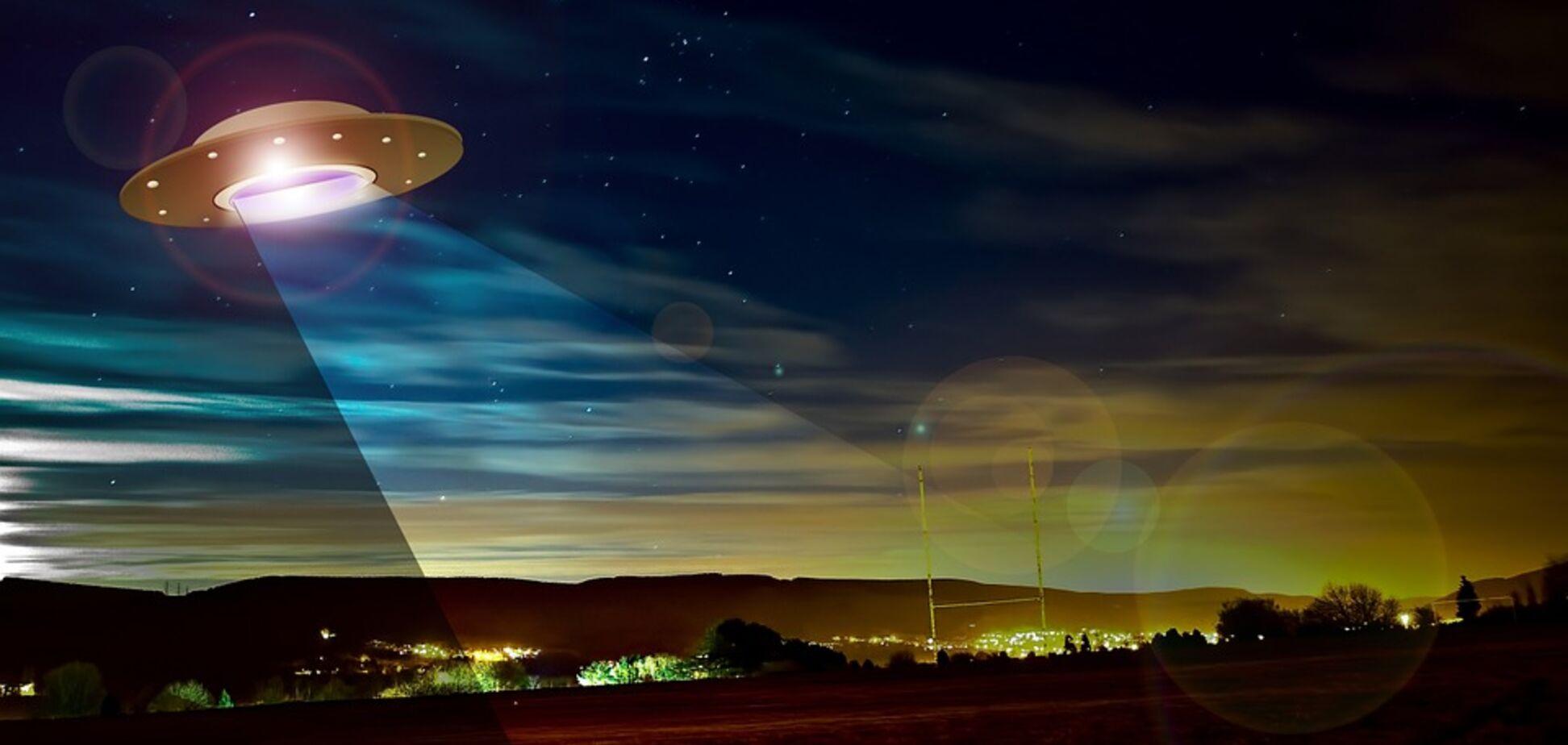 НЛО? В небе над Одессой заметили странный объект: видео