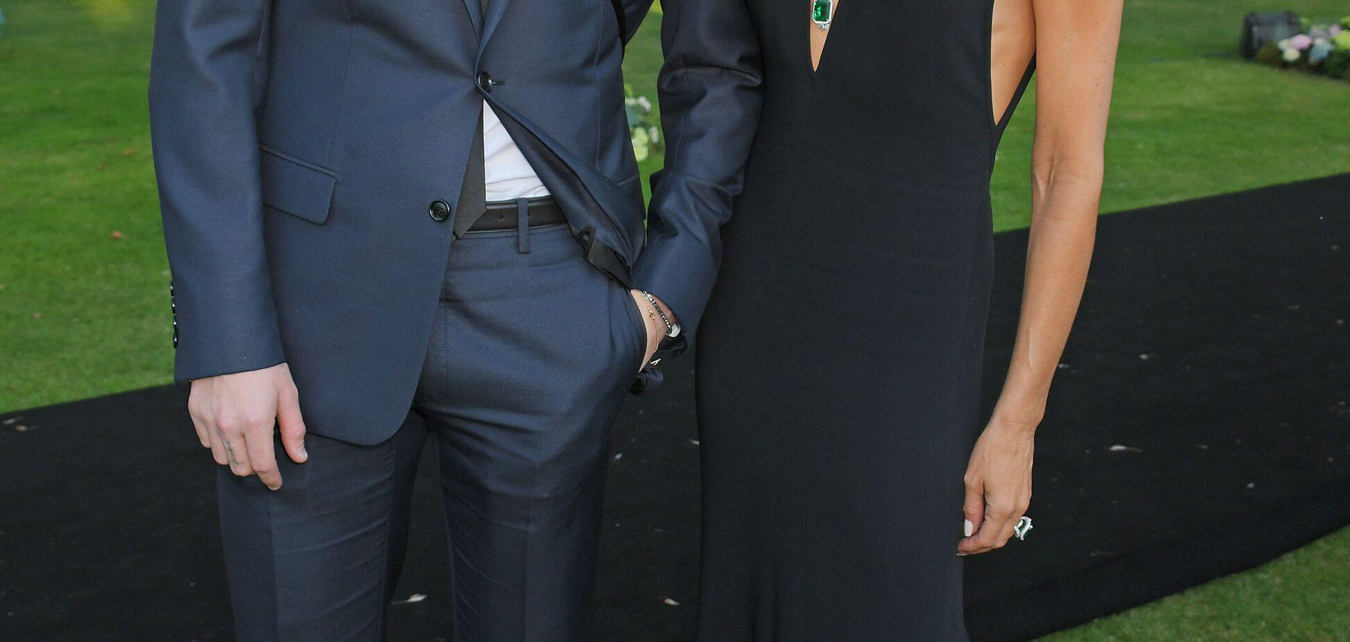 Виктория Бекхэм без бюстгальтера пришла на садовую вечеринку Элтона Джона