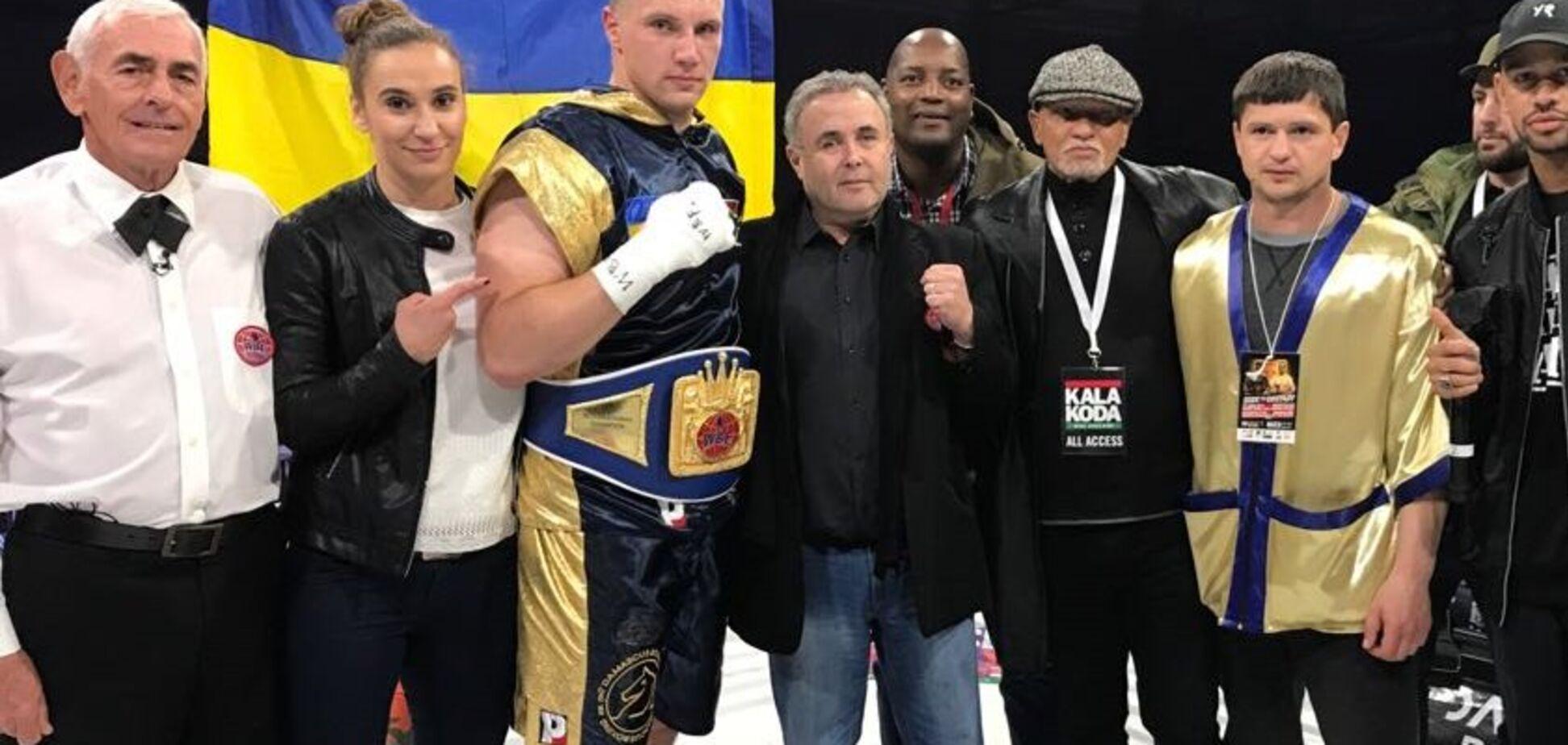 Непобедимый украинский боксер нокаутом завоевал чемпионский титул