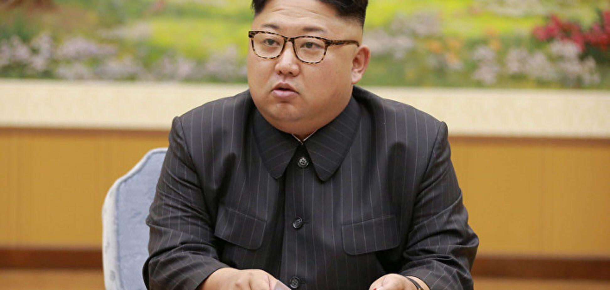 Ким Чен Ын рассмешил своим кортежем и охраной: появилось видео