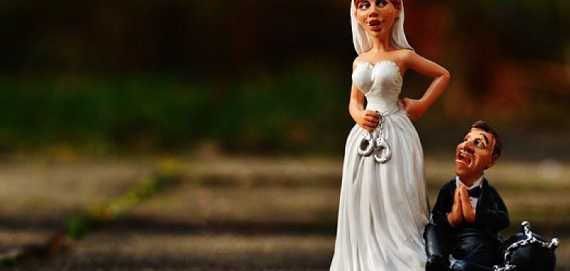 В чем ограничены замужние женщины