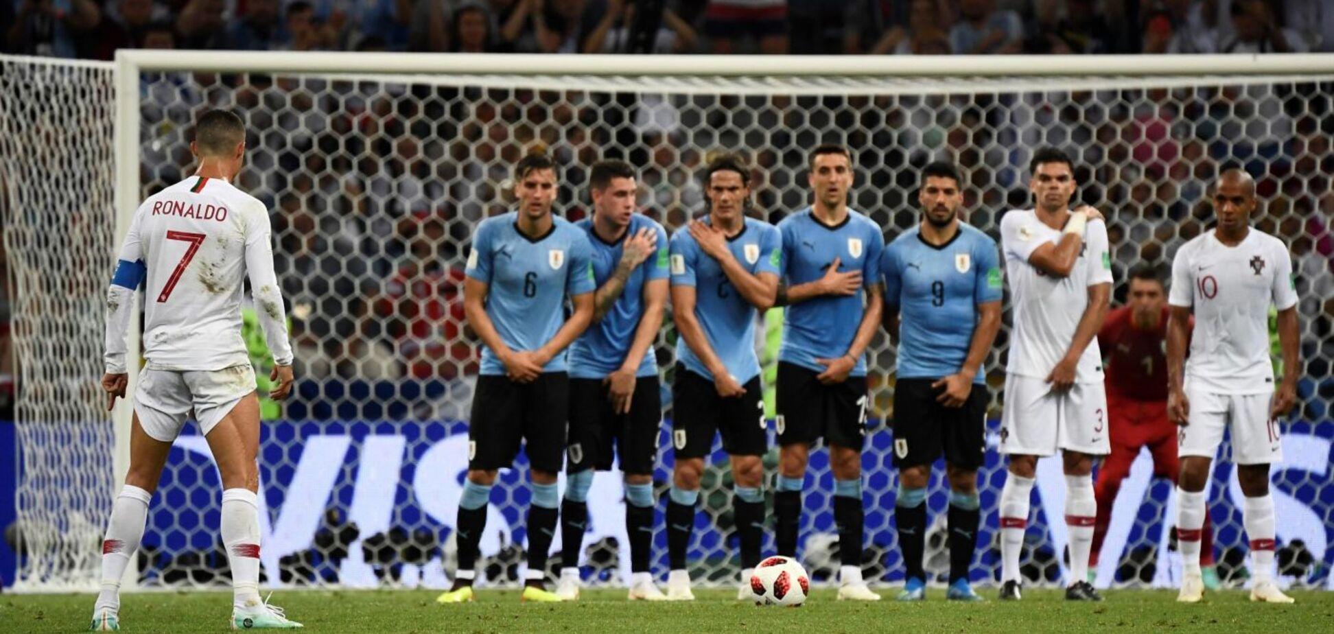 Кріштіану Роналду висміяли за 'секс' на матчі з Уругваєм