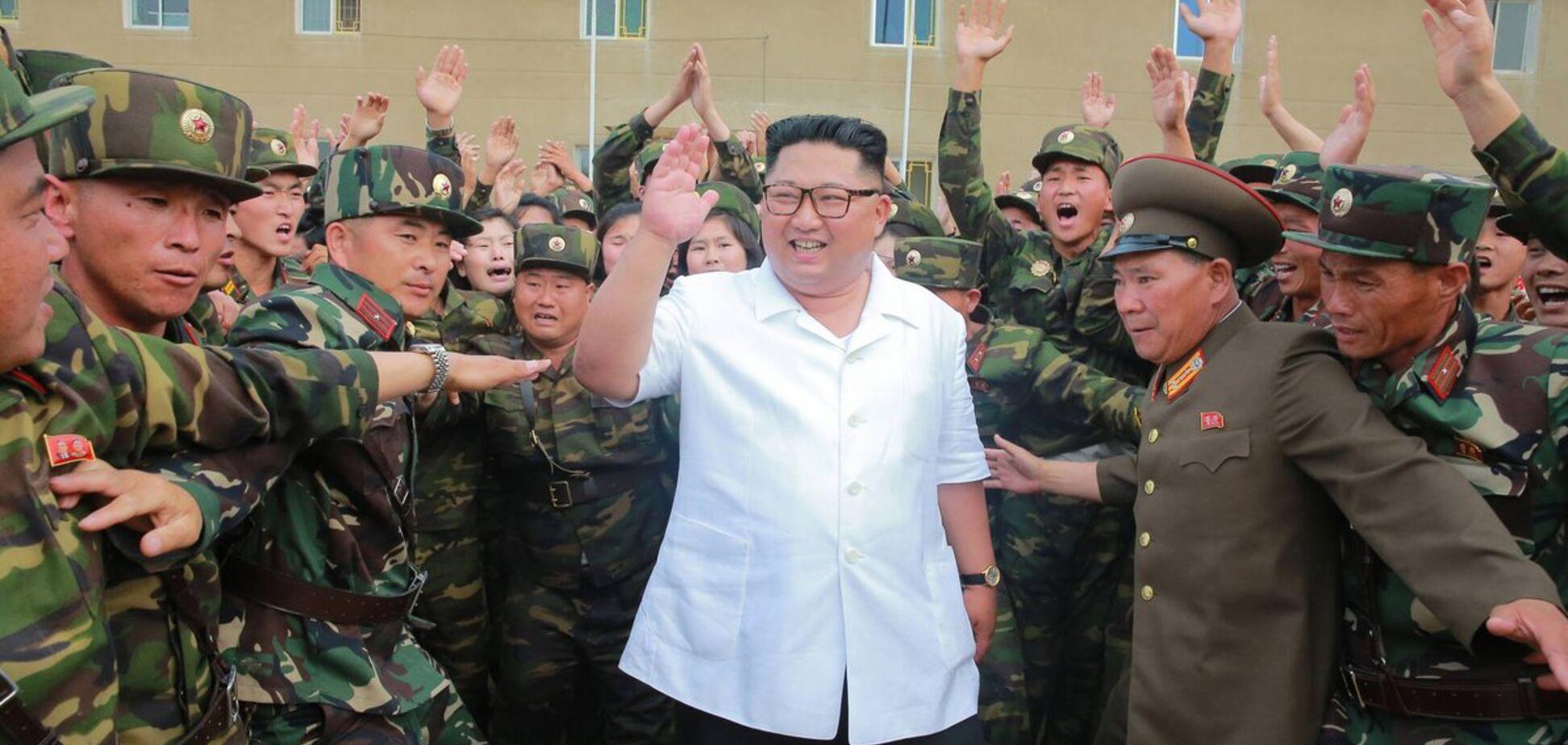 Кім Чен Ин ледь не застряг, тестуючи 'гордість' автопрому Росії: кумедні фото