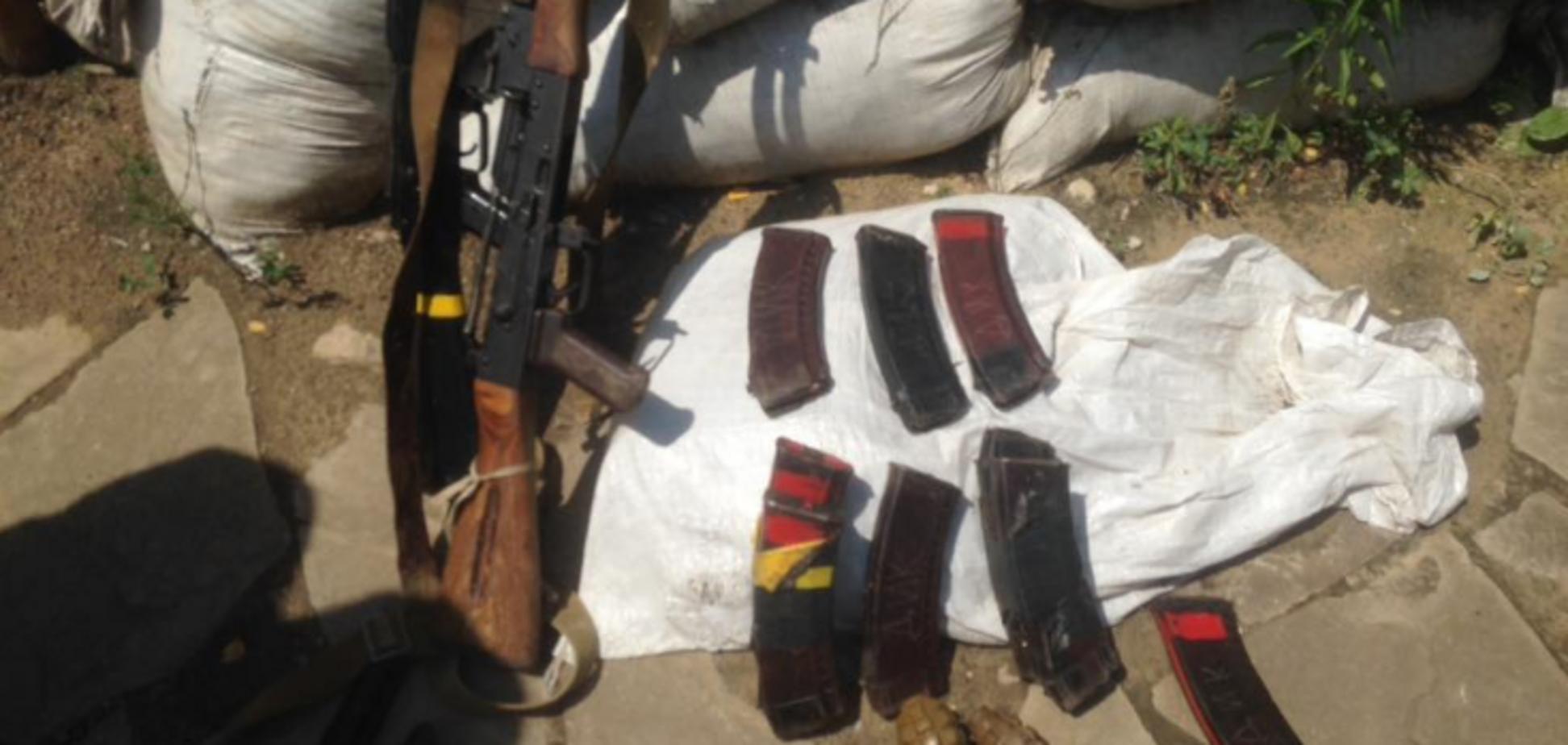 Об'єднані сили знищили терористів на Донбасі: фото здобичі
