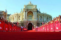 В Одессе открылся 9-й международный кинофестиваль: фото и видео церемонии