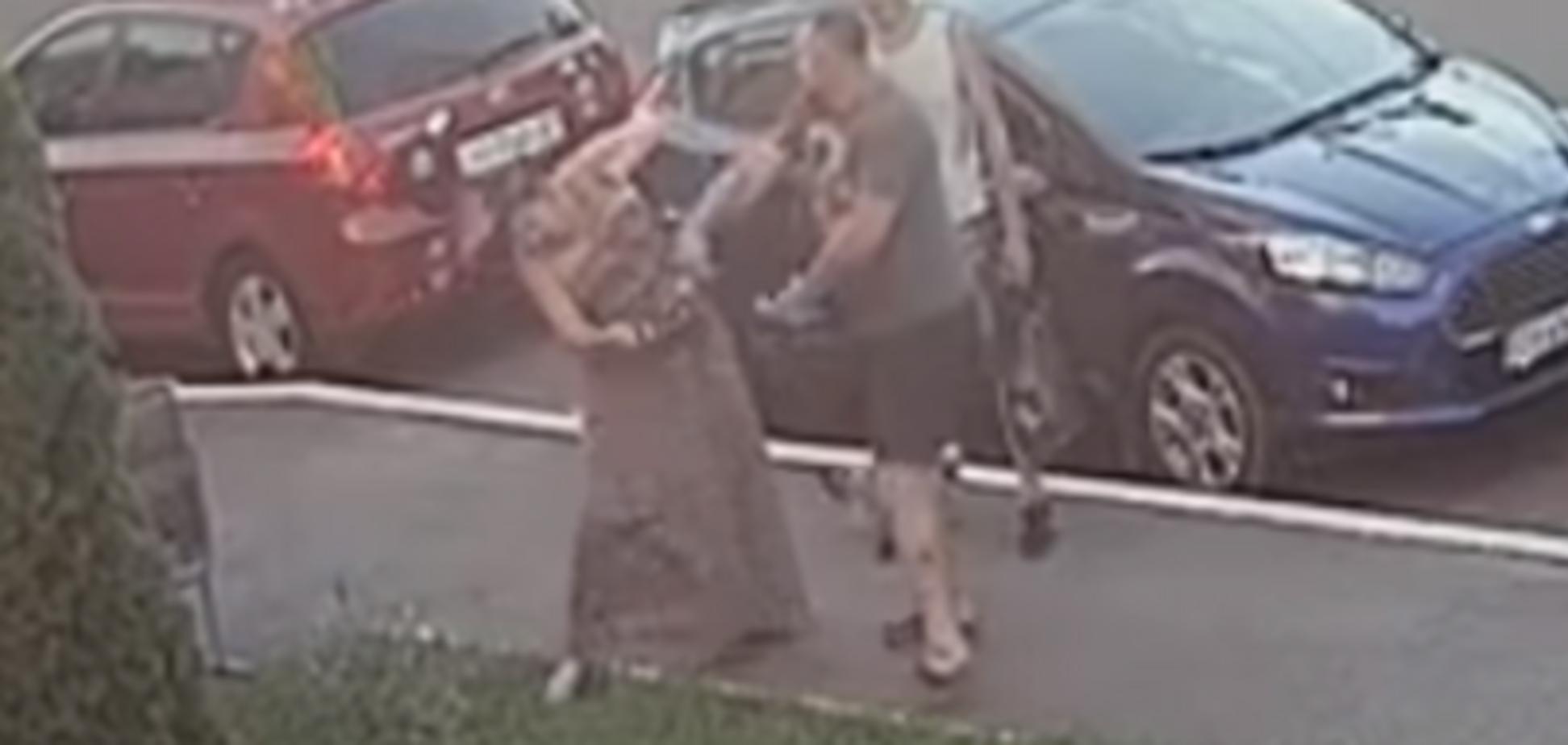 'Врубил рукой-кувалдой!' В Киеве самбист-УКРОПовец напал на женщину из-за собаки