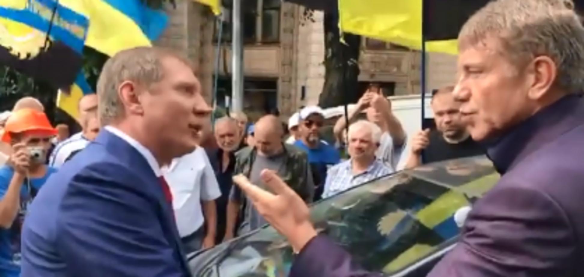 На мітингу шахтарів у Києві сталася бійка між міністром і нардепом