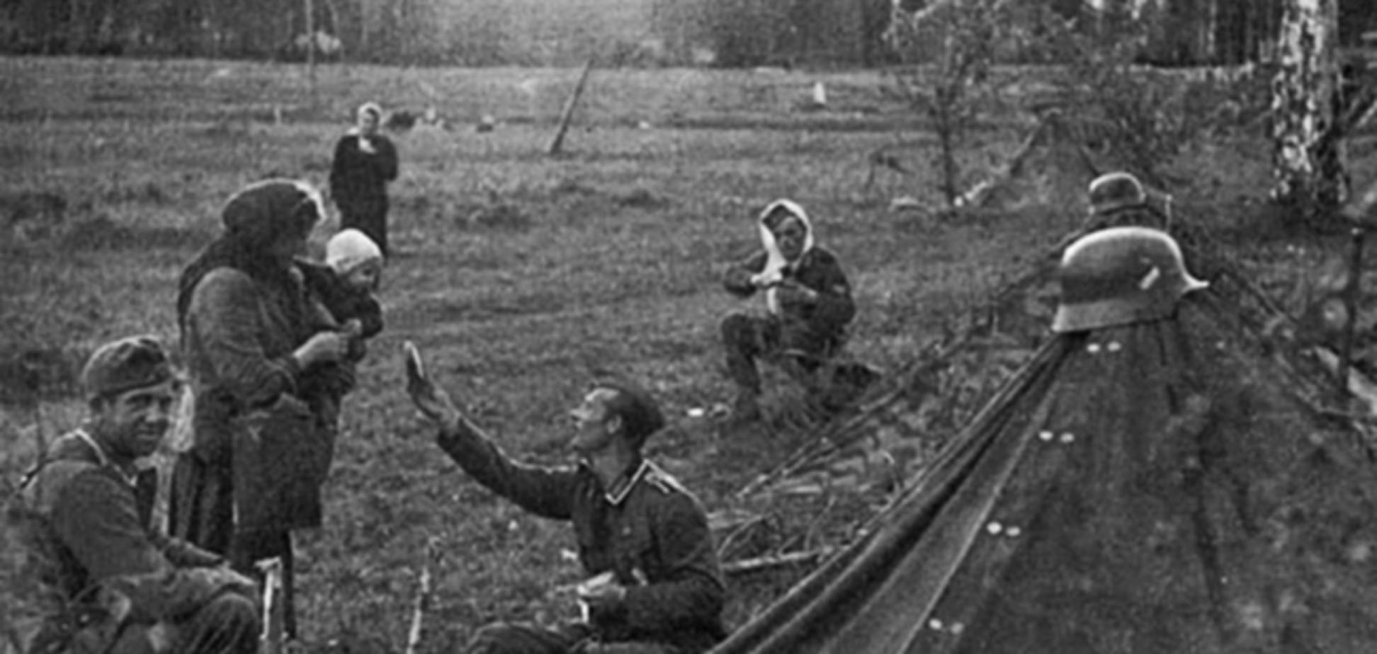 Немецкий солдат делится едой с русским ребенком, или Все они одинаковые?