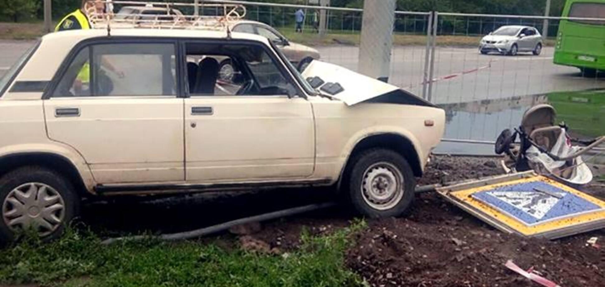 Трагедия в Харькове: пьяный водитель на тротуаре сбил коляску с младенцем