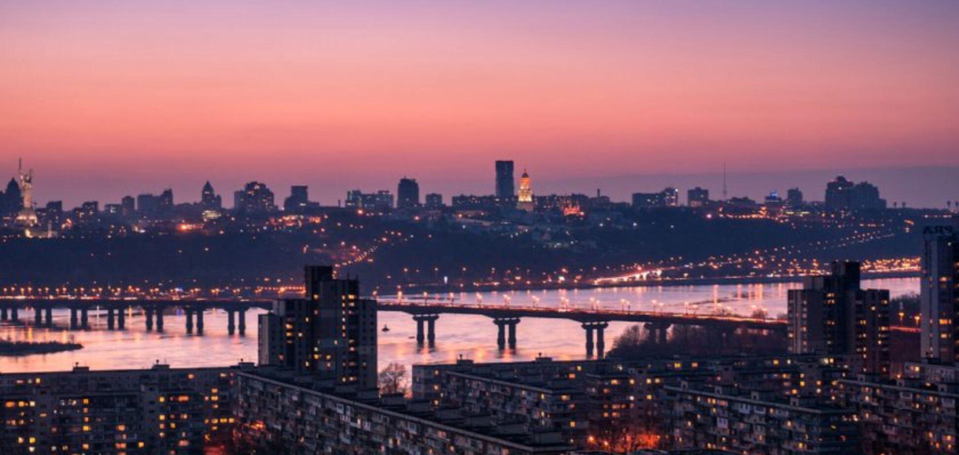 Огни мегаполиса: как выглядит ночной Киев с высоты
