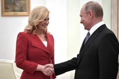 'Опять на табуретку вставал?' В сети заметили новую аномалию с ростом Путина