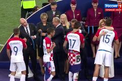 Футболіст київського 'Динамо' не захотів потиснути руку Путіну: відеофакт