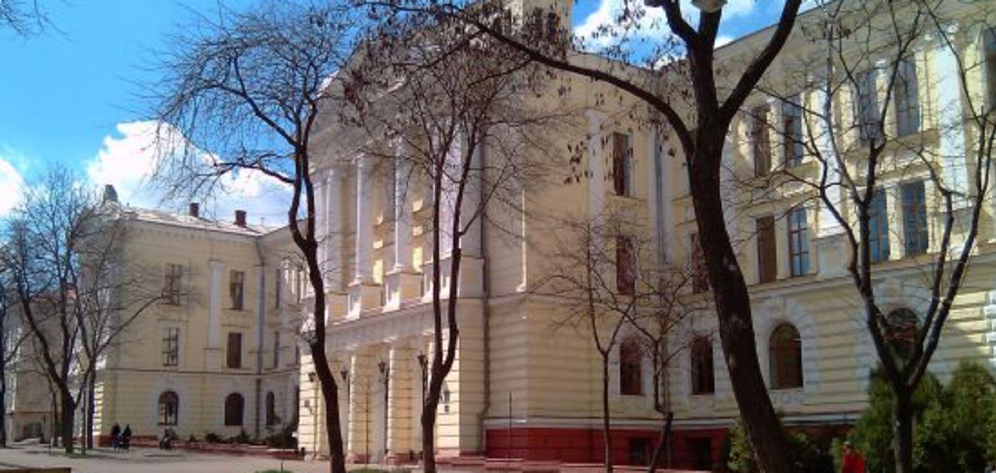 СМИ назвали имя нардепа, который хочет сместить ректора Одесского медуниверситета