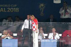 Успела влюбить: президенты Франции и Хорватии на финале ЧМ-2018 умилили сеть
