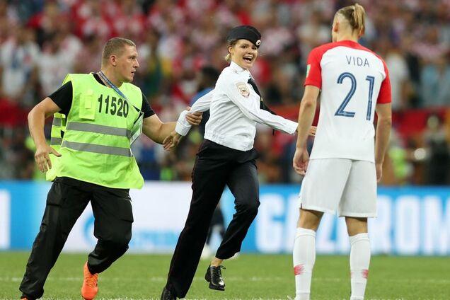 Pussy Riot на матче Франция - Хорватия
