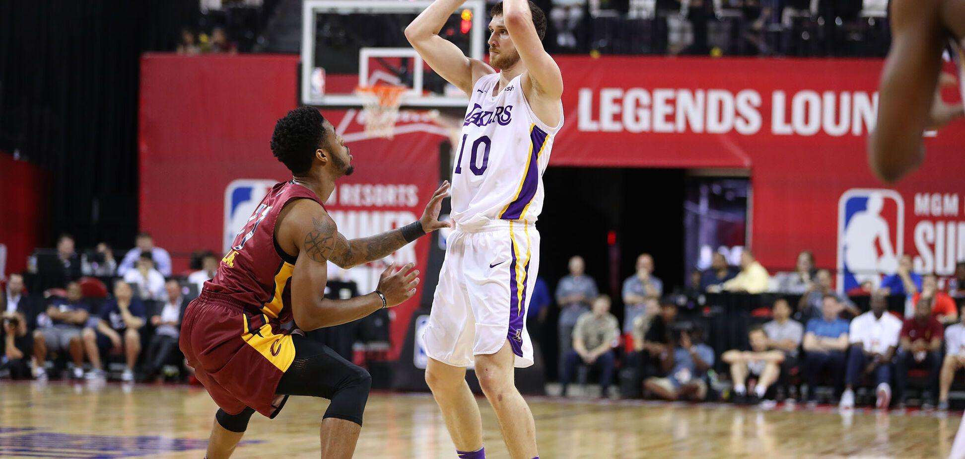 Сыграет в финале! Украинец Михайлюк установил рекорд в НБА