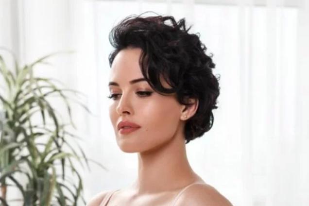 Украинская секс-бомба похвасталась пышной грудью