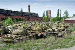 Пока идет война: кто бросил 'секретную' военную базу в Украине без охраны
