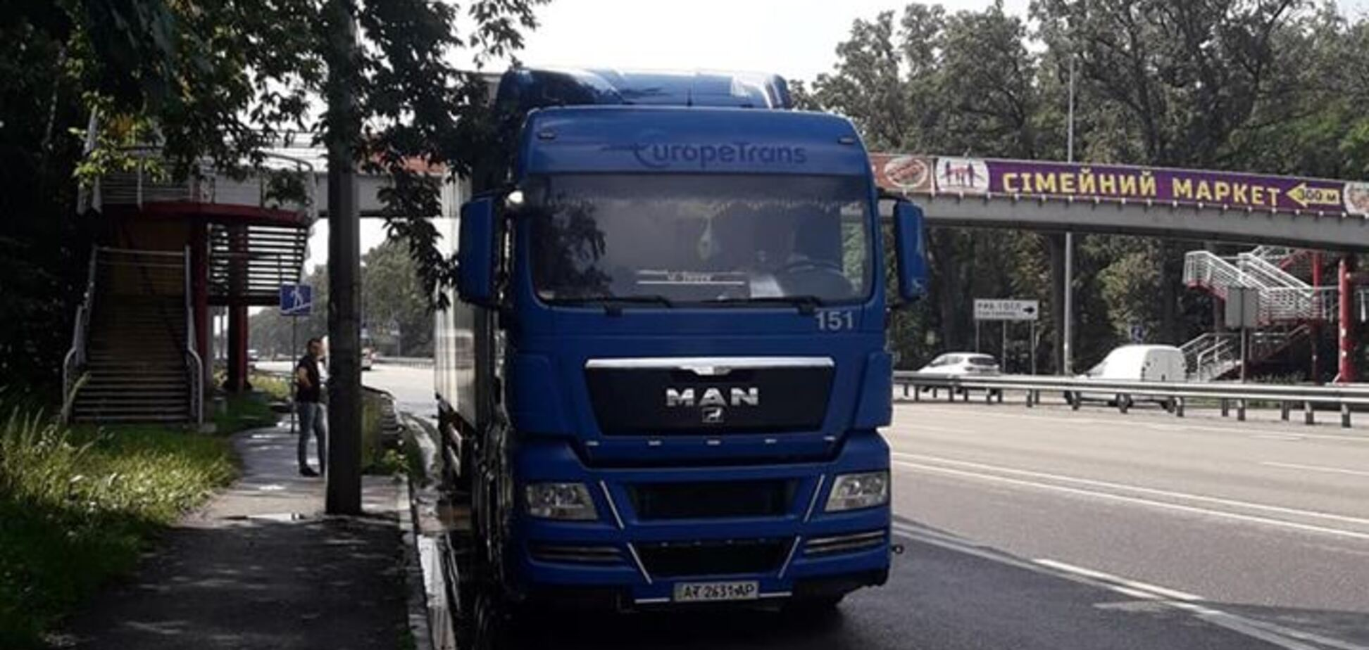 'Я на пять минут': автохам устроил дерзкую выходку в Киеве