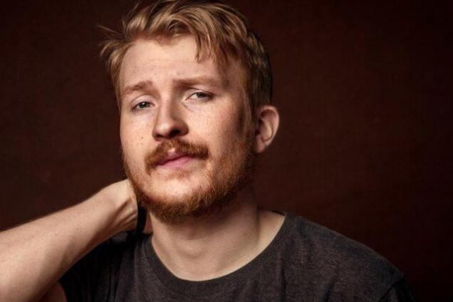 Популярный комик из России подал иск против Украины