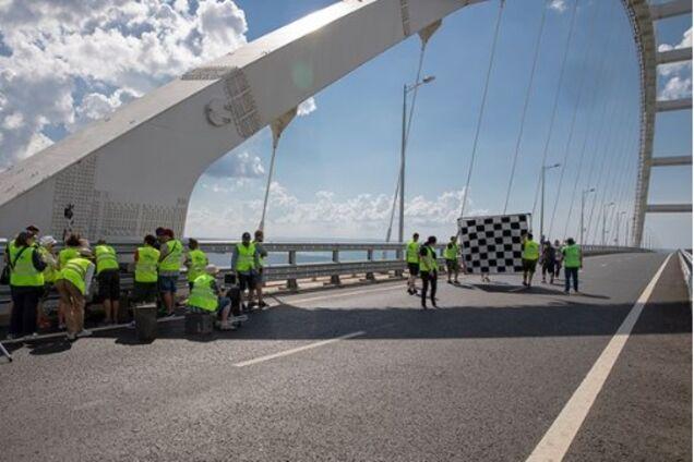 ЧП на Крымском мосту из-за любимого певца Путина: появились еще фото