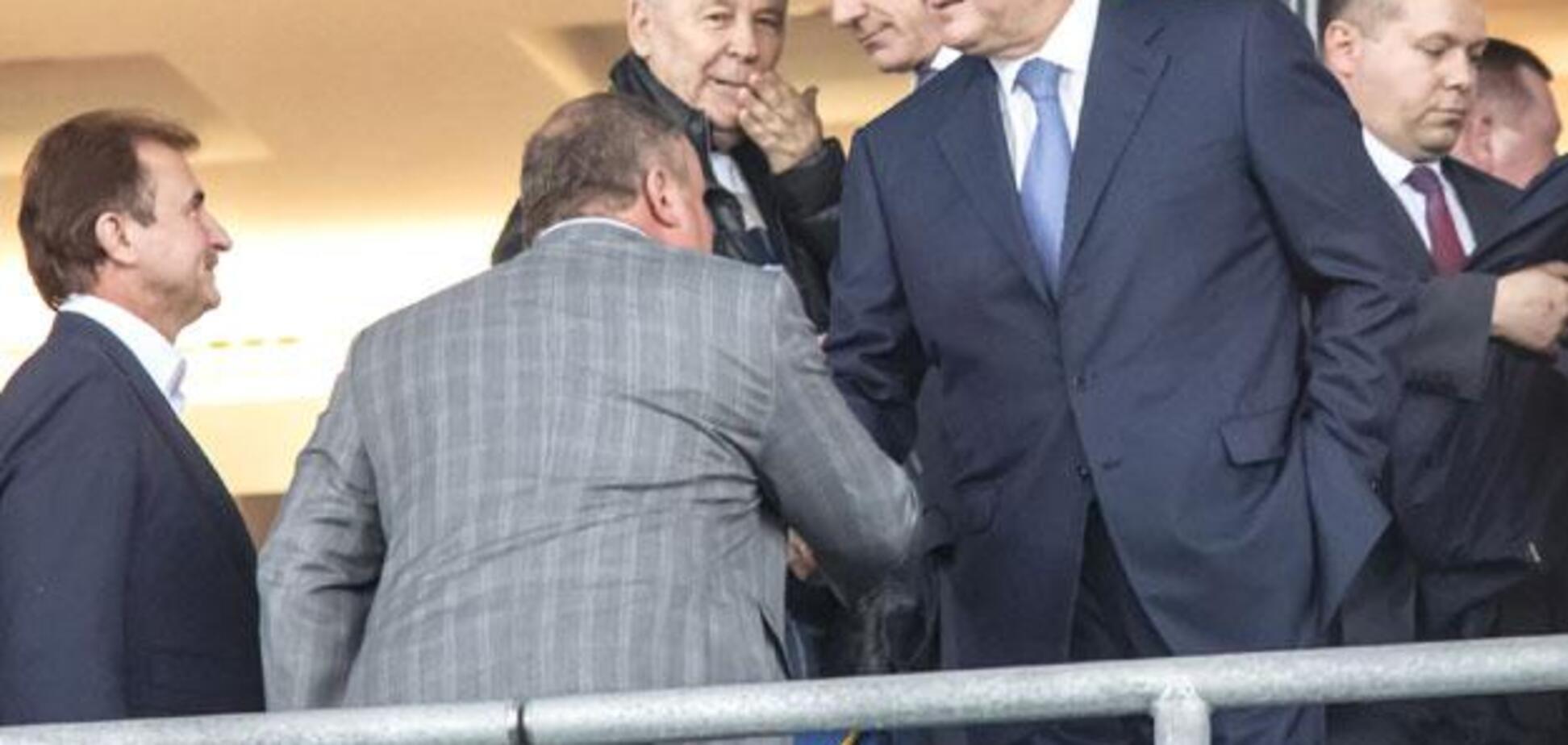 Поруч із Медведєвим: Януковича засікли на матчі Росія - Іспанія