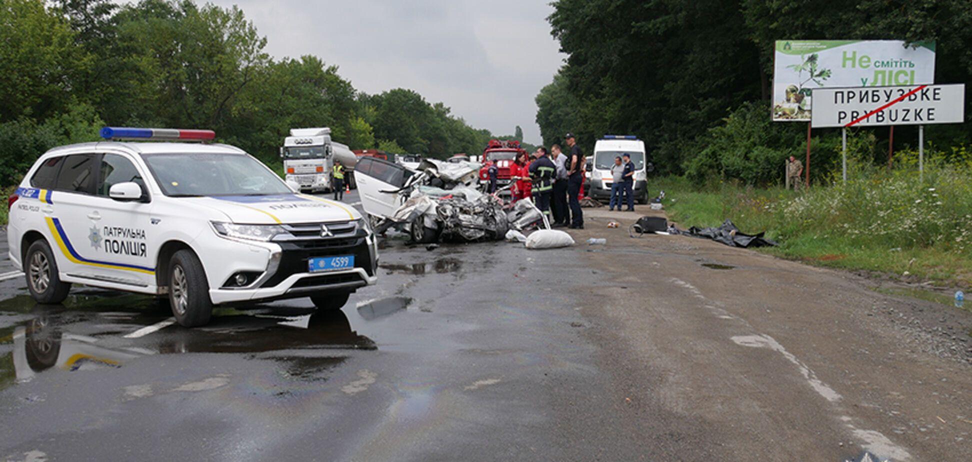 В жутком ДТП на Хмельниччине погиб ребенок и двое взрослых