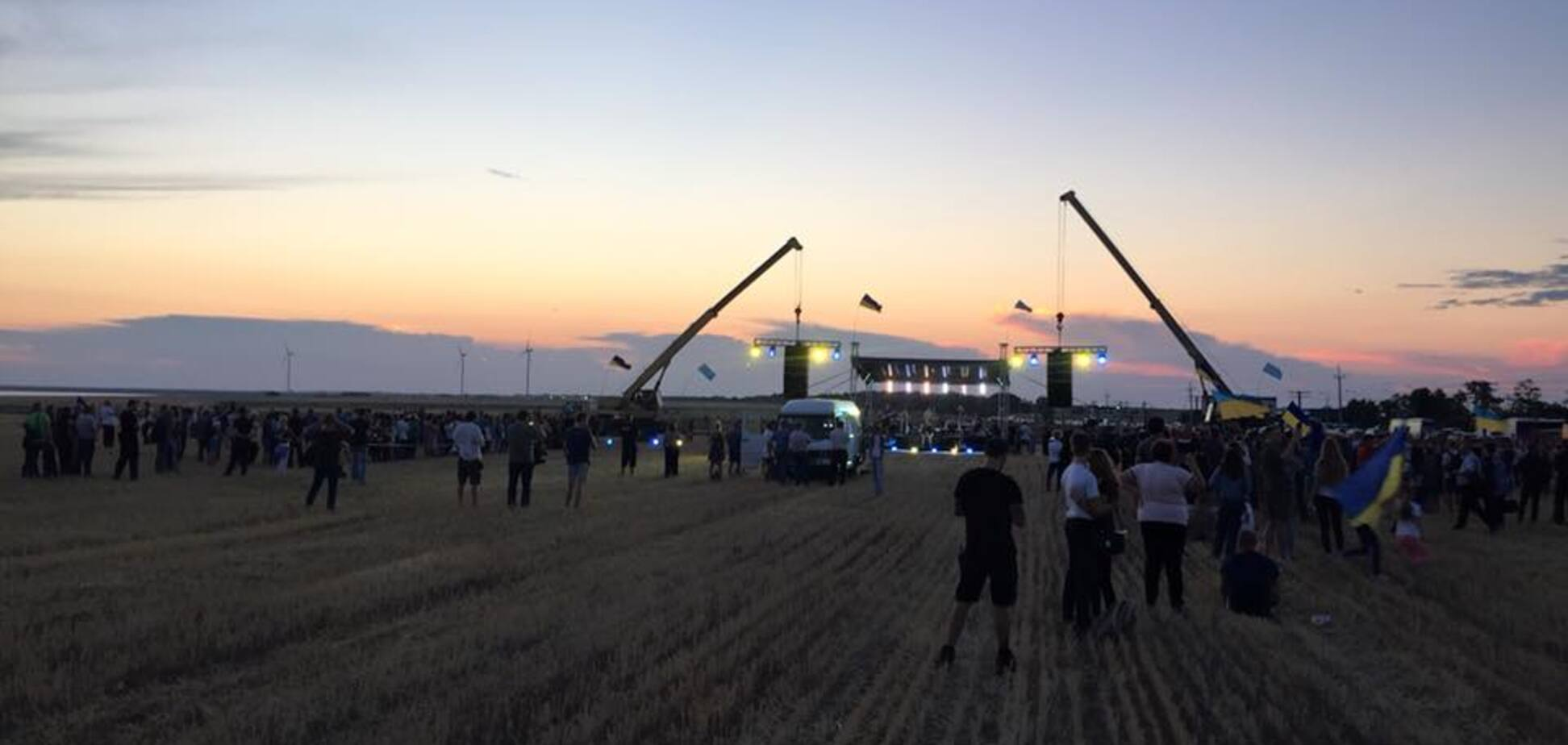 'Там почують і побачать': з'явилося атмосферне відео з гучного концерту 'Бумбокс' поруч з Кримом