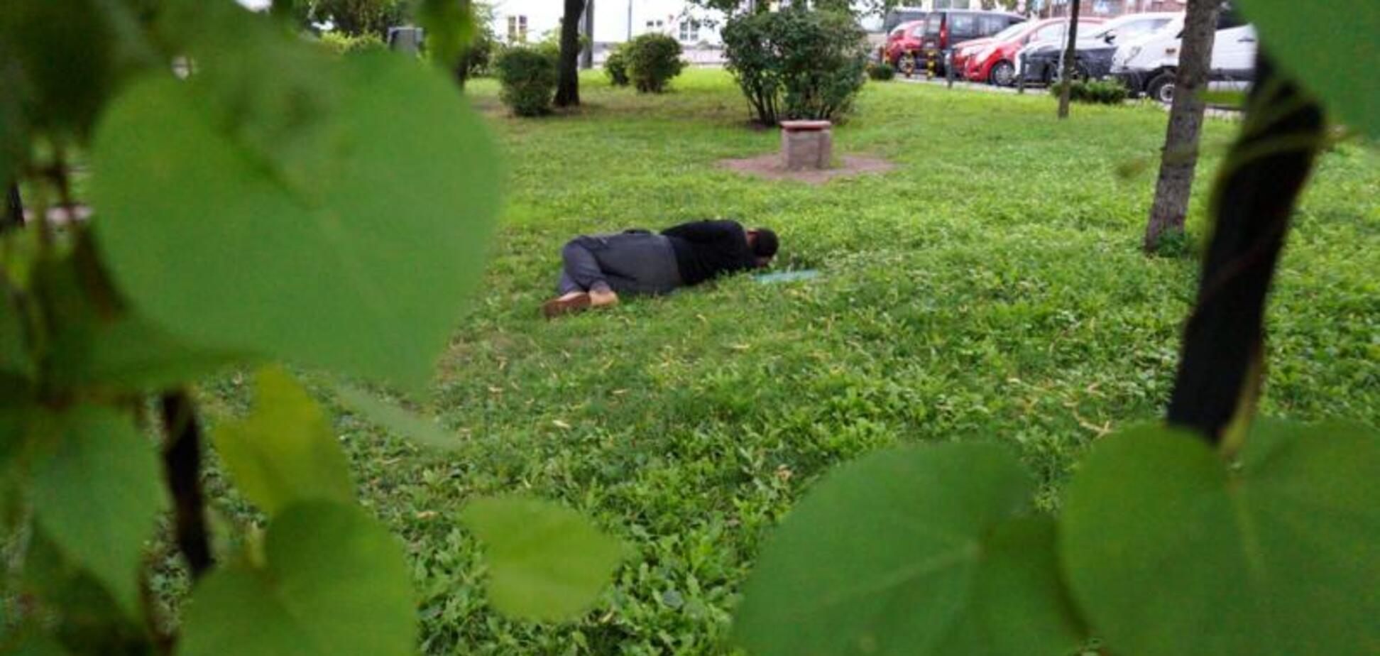 Пограбували і побили: в Києві престижний учитель-іноземець став безхатьком