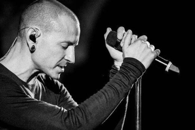 """""""Скучаем больше, чем выразят слова"""": Linkin Park о годовщине смерти лидера"""