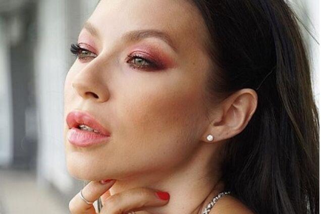 Невестка народного артиста Украины блеснула сексуальной фигурой в белье