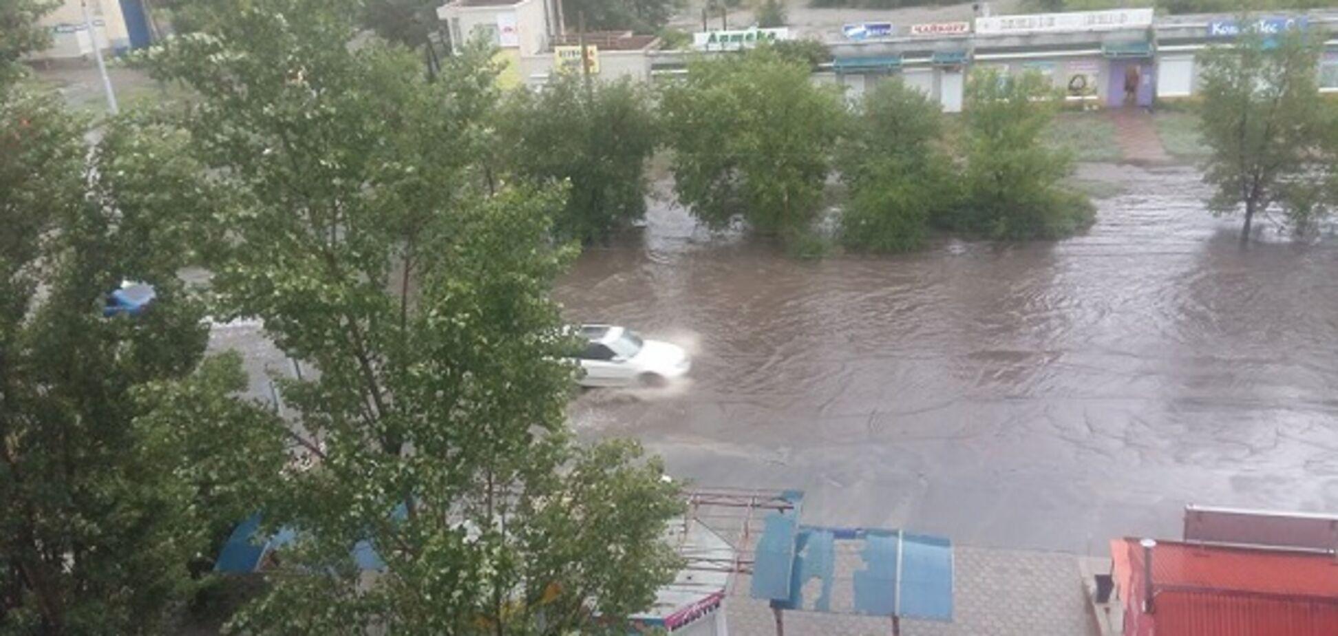 Водоспади в під'їздах: на Донбасі почався водний армагеддон