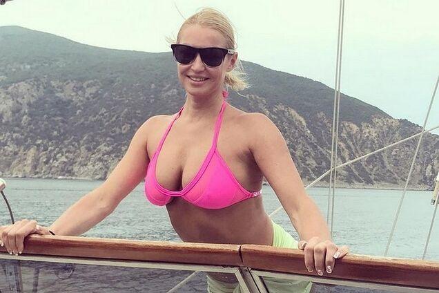 За штурвалом: в сети появилось новое откровенное фото Волочковой