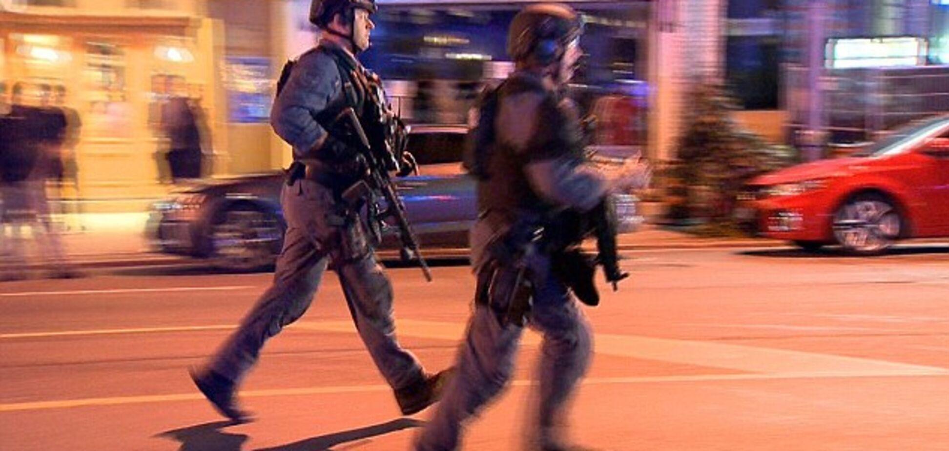 В Торонто неизвестный расстрелял людей в торговом центре
