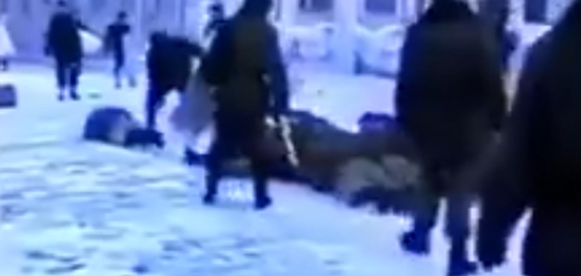 'Страна рабов и вертухаев': после пыток в России показали ужасающее видео из армии